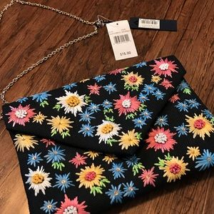 Multi color clutch